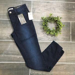 Refuge Dark wash skintight leggings jeans